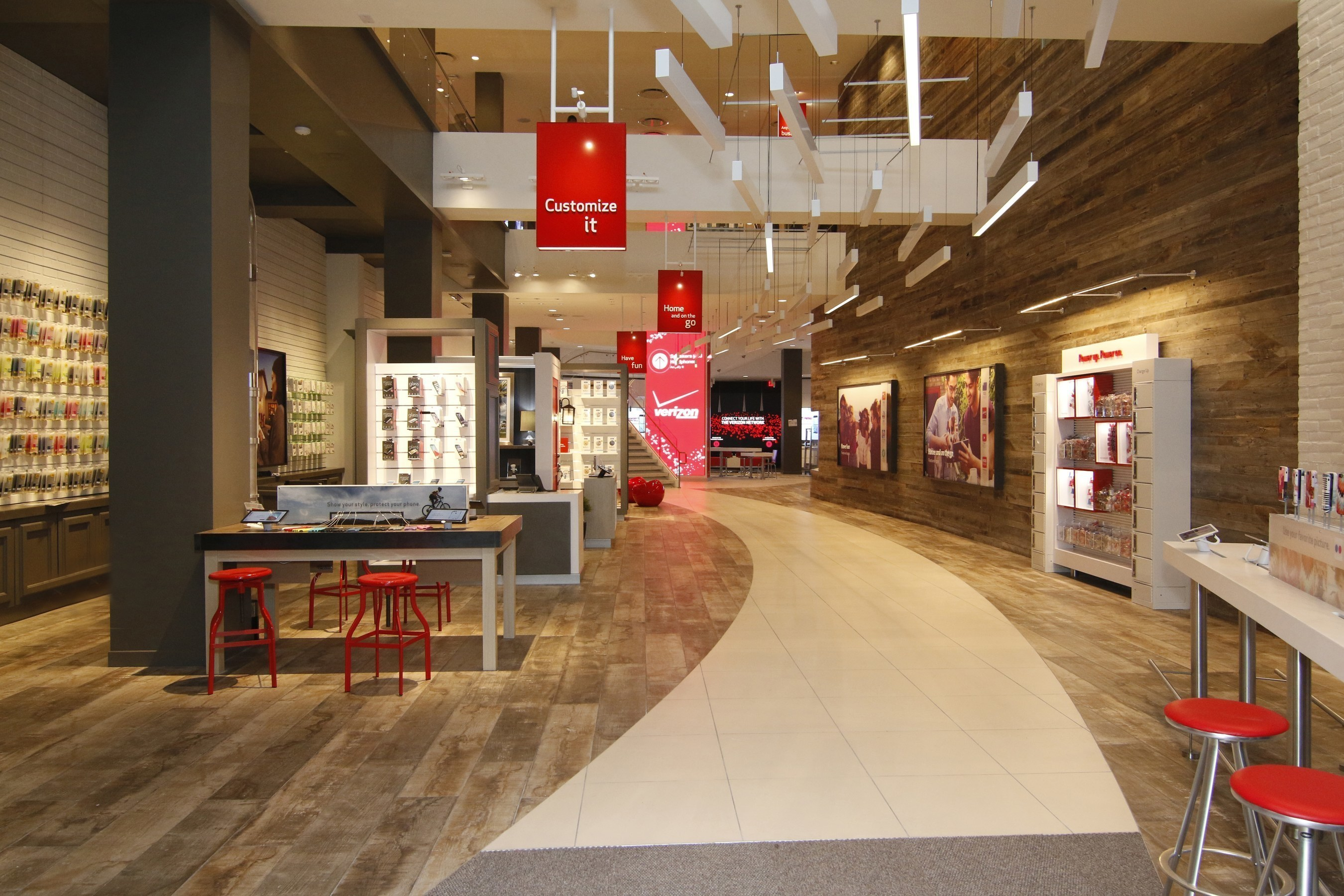 Santa Monica residents and visitors get their first peek at the new Verizon Wireless Destination Store, the first store of its kind on the West Coast. An official Grand opening celebration and concert is scheduled for July 18 to celebrate the first West Coast location