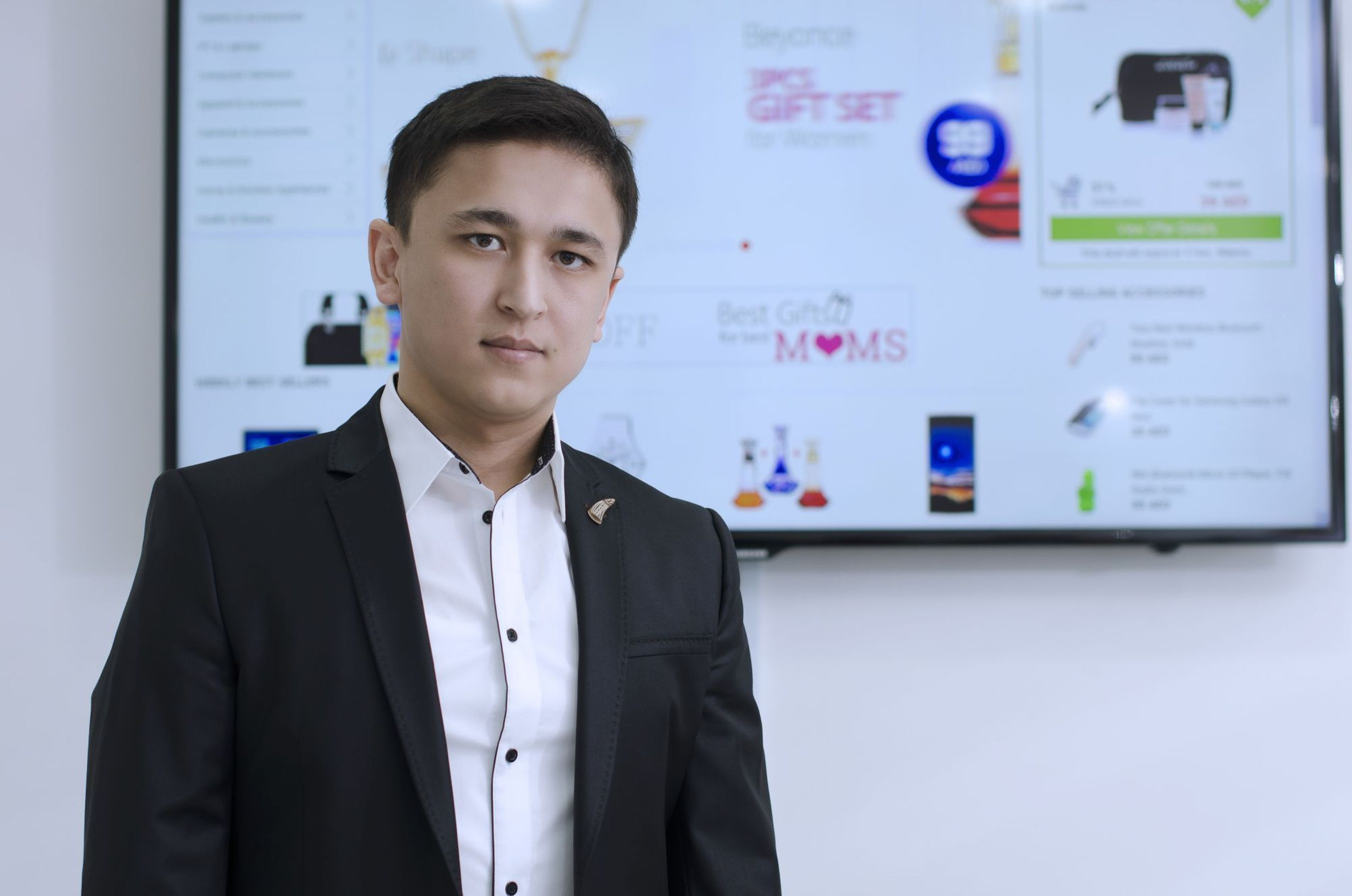 Ulugbek Yulshadev, founder of Awok.com, the leading e-commerce site which is now celebrating its second year anniversary. (PRNewsFoto/Awok.com)
