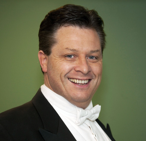 Tenor Anthony Kearns Continues Benefit Concerts in OH and CT