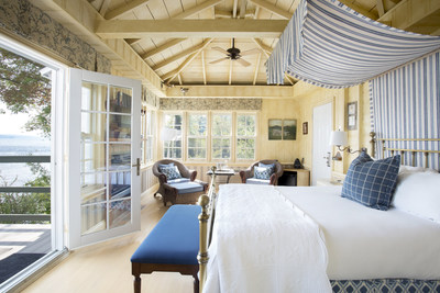 Manoir Hovey's Cartier Suite is a romantic, secluded cottage right on the lakeshore. It boasts a queen four-poster bed, large private deck, panoramic lake view, fireplace and a private dock with a canoe and kayak exclusively for guests.