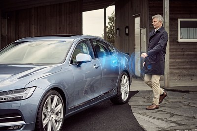 Volvo Cars' world first application for mobile phones to replace the physical key with a digital key. The innovative Bluetooth-enabled digital key technology enables customers to lock or unlock the doors and start the engine but also to share a digital key with others or to receive a digital key. (PRNewsFoto/Volvo Car Group)