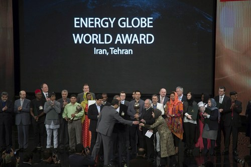 Winners' award presented at the Energy Global Award 2015 (PRNewsFoto/Energy Globe Foundation) (PRNewsFoto/Energy Globe Foundation)