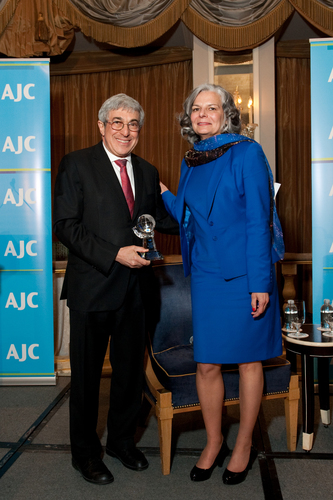 AJC President Stanley M. Bergman presents AJC Women's Global Leadership Award to Dr. Julie L. Gerberding, president of Merck Vaccines. (PRNewsFoto/American Jewish Committee)
