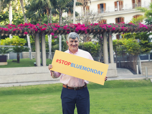 """""""Life-Coach"""" Cliff Arnall today in Tenerife launching the #StopBlueMonday movement (PRNewsFoto/The Canary Islands Tourism Board) (PRNewsFoto/The Canary Islands Tourism Board)"""