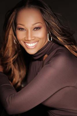 Multi-GRAMMY(R) award-winning Gospel artist Yolanda Adams.  (PRNewsFoto/Colgate-Palmolive)