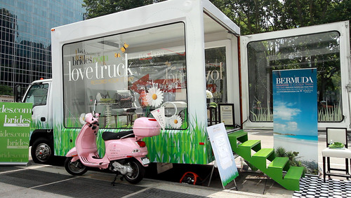 New York City Residents 'Feel the Love' as Bermuda and Brides.com Launched the 'Love Truck' on