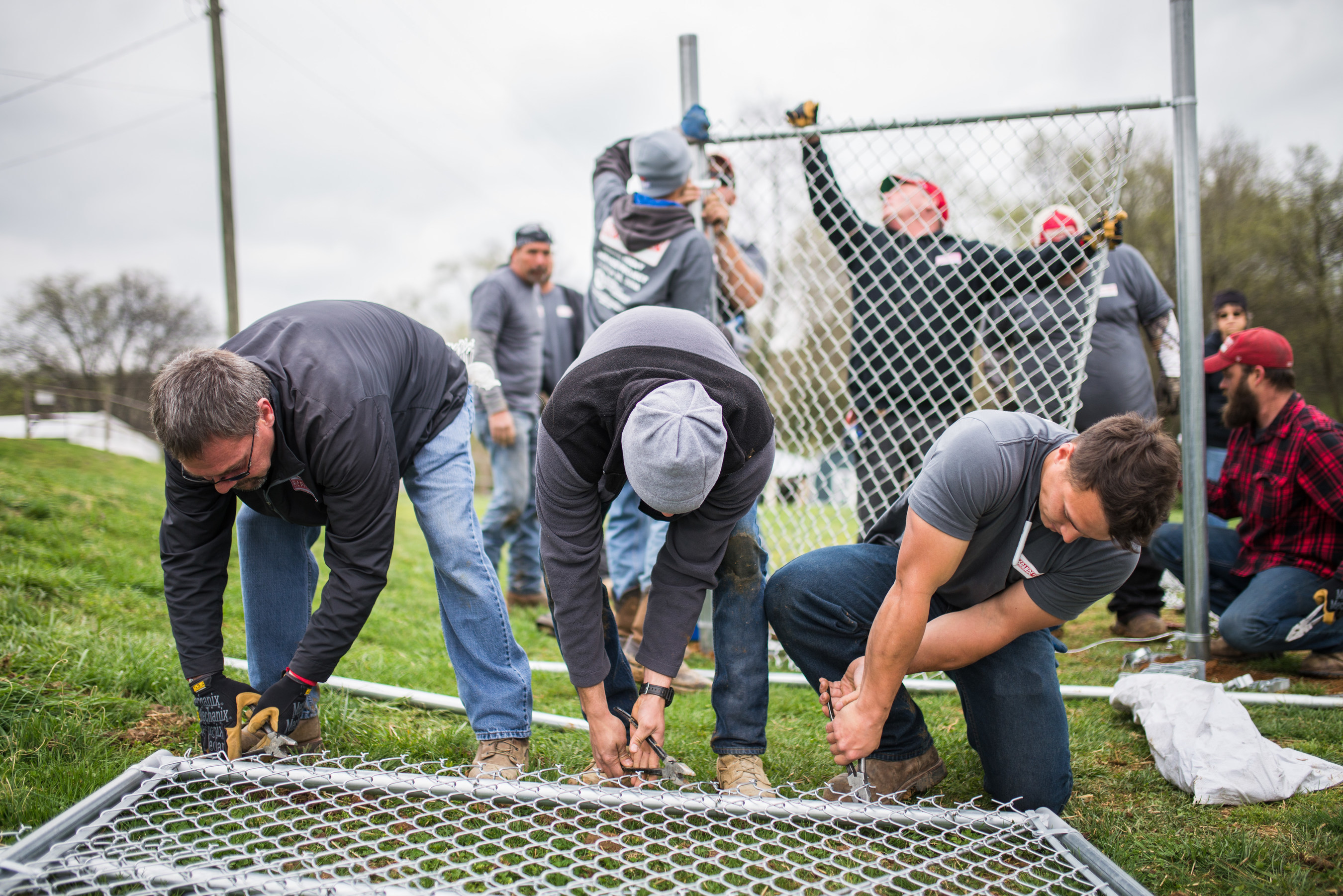 Rio Grande Fence Co. of Nashville employees work together on 2016 Good Friday Service Project