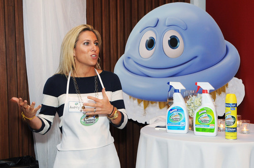 Blogger Audrey McClelland welcomes guests at an event celebrating 40 years of Scrubbing Bubbles cleaning heritage on Wednesday, Sept. 12, 2012 in New York. Visit the Scrubbing Bubbles Brand Facebook and Twitter pages for more information.  (PRNewsFoto/SC Johnson)