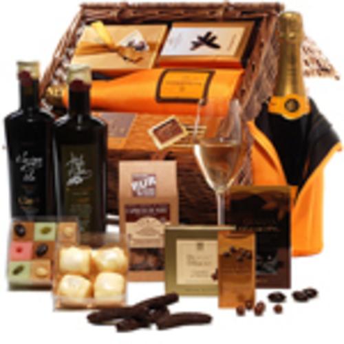 From fine wine to delicious chocolates, the new German website has it all. (PRNewsFoto/GiftBasketsOverseas.com)