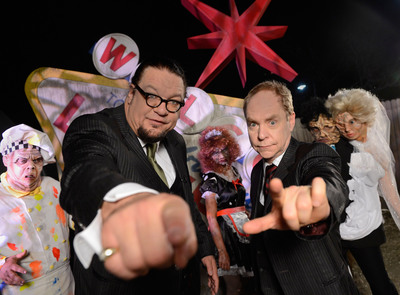 "Penn & Teller are partnering with Universal Orlando Resort to bring their eccentric and edgy illusionist entertainment to life in an all-new 3D haunted house ""Penn & Teller New(kd) Las Vegas"" at Halloween Horror Nights 22. (C) 2012 Universal Orlando Resort. All rights reserved. (PRNewsFoto/Universal Orlando Resort)"