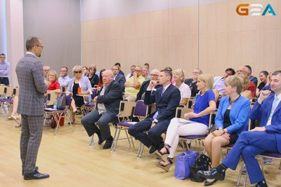 CEO, Bartosz Skwarczek speaking at the Polish-American Congress (PRNewsFoto/G2A.com)