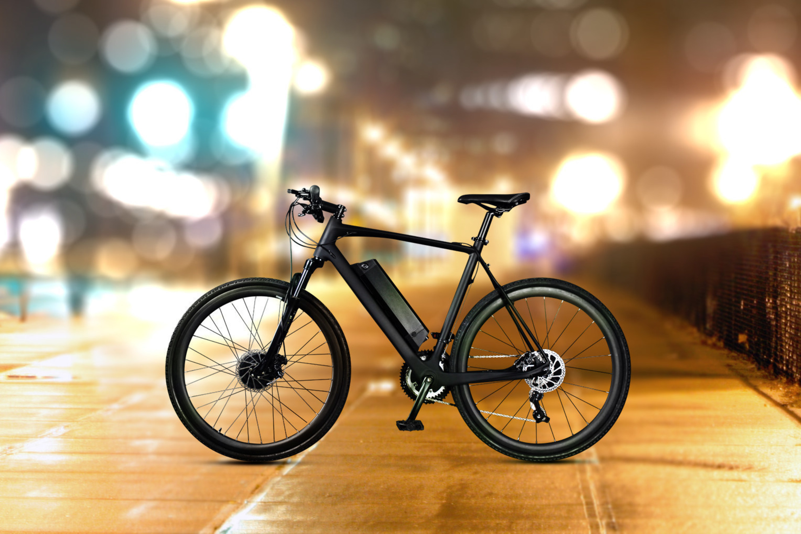 DAYMAK Launches EC1 Carbon Fiber Ebike at EICMA Milan Italy