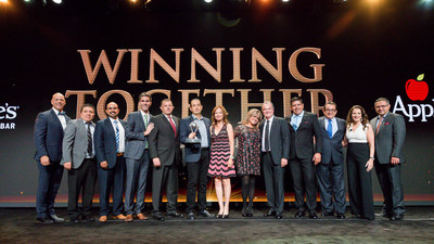 Daniel del Olmo, International President, Applebee's, honors Eduardo Orozco and team of Internacional 999 as the 2016 International Franchisee of the Year Award winner in Beverly Hills on Sept. 29; pictured with Julia Stewart, President, Applebee's and Sanjiv Razdan, SVP of Operations, Applebee's.