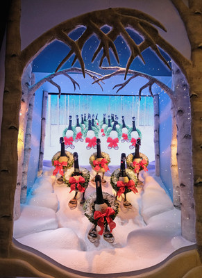 Lord & Taylor 2016 Holiday Windows. Photo credits: Dia Dipasupil & Cindy Ord, Getty Images