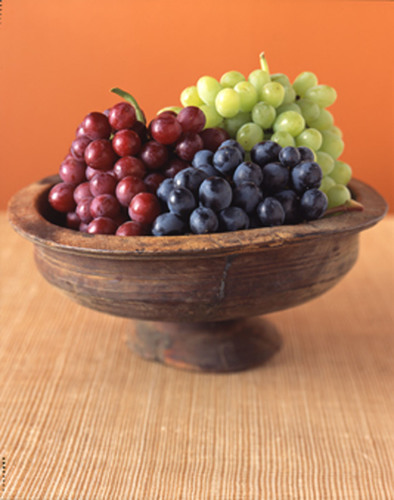 Grapes May Help Prevent Age-Related Blindness; Study shows grapes provided more antioxidant protection for eyes than lutein.  (PRNewsFoto/California Table Grape Commission)