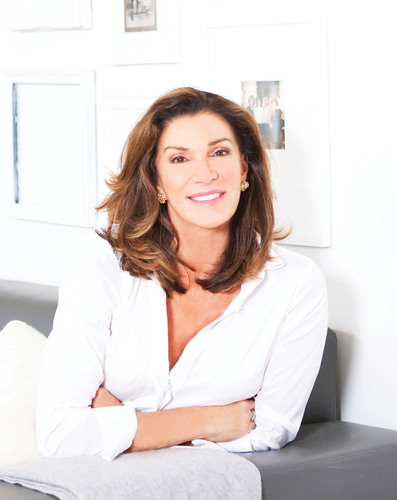 Art Van Makeover Contest with HGTV star Hilary Farr.  (PRNewsFoto/Art Van Furniture)