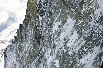 Mammut Pro Team Athlete Dani Arnold on record course in the 1100 meter high North Face of the Matterhorn. Photo credit: Visual Impact/Christian Gisi (PRNewsFoto/Mammut Sports Group AG)