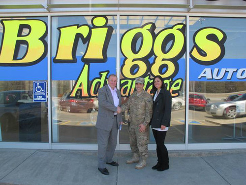 Major Shields Accepts $1,000 Prize at Briggs Auto Lane in Manhattan.  (PRNewsFoto/Briggs Nissan)