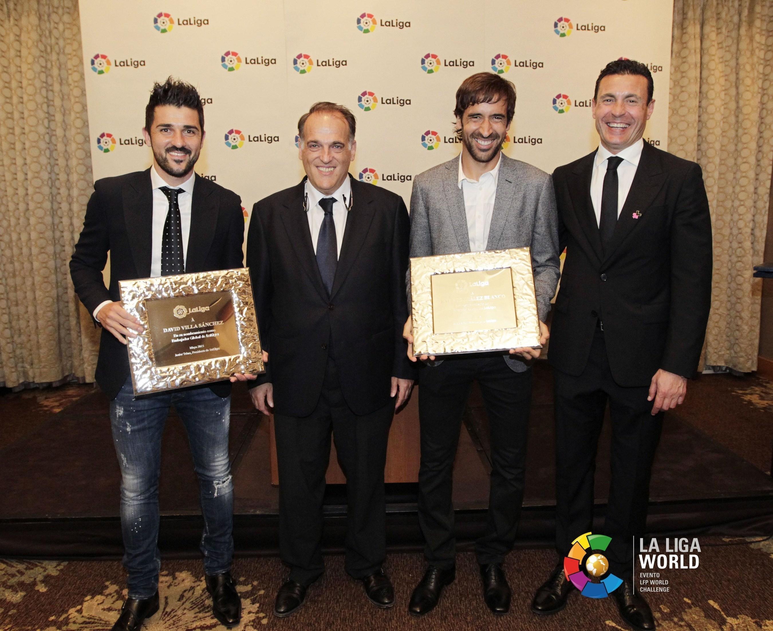 From the left, David Villa, LaLiga President Javier Tebas, Raul Gonzalez and Valencia CF President Amadeo Salvo