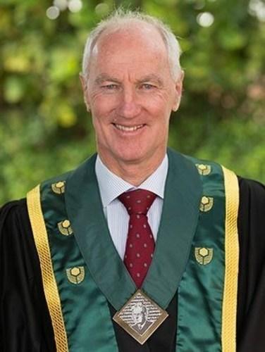 Australian Doctor Graham Forward, a winner of Hamdan Award for Volunteers in Humanitarian Medical Services (PRNewsFoto/Sheikh Hamdan Bin Rashid Award)