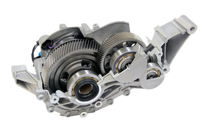 GKN Driveline has developed the industry's first two-speed eAxle which delivers electric power throughout the vehicle's entire speed range, optimized for weight, packaging and efficiency. The two-speed eAxle supports effective hybridization, contributing to an outstanding driving experience.