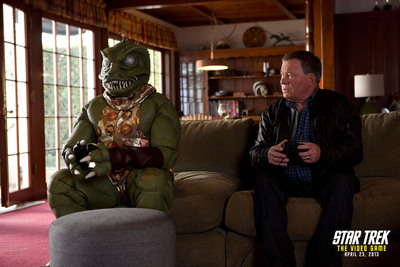 William Shatner and the Gorn reunite for the promotion of STAR TREK: THE VIDEO GAME (2013).  (PRNewsFoto/Paramount Pictures Corporation)