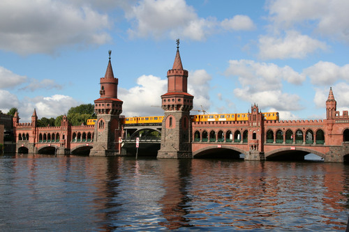 "Berlin's Oberbaum Bridge, used in scenes from both ""The Bourne Supremacy"" and ""Run, Lola, Run"".  (PRNewsFoto/Crystal Cruises)"