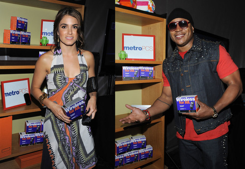 Celebrities Autograph Letters for Military Families With MetroPCS and the USO at Teen Choice 2011