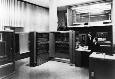 Citi and IBM have a long history of collaboration.  In 1954, Citi and IBM announced their use of IBM's 701 Electronic Data Processing Machine, called an 'electronic brain,' to dramatically reduce the time required for cost-benefit analysis.  (PRNewsFoto/IBM)