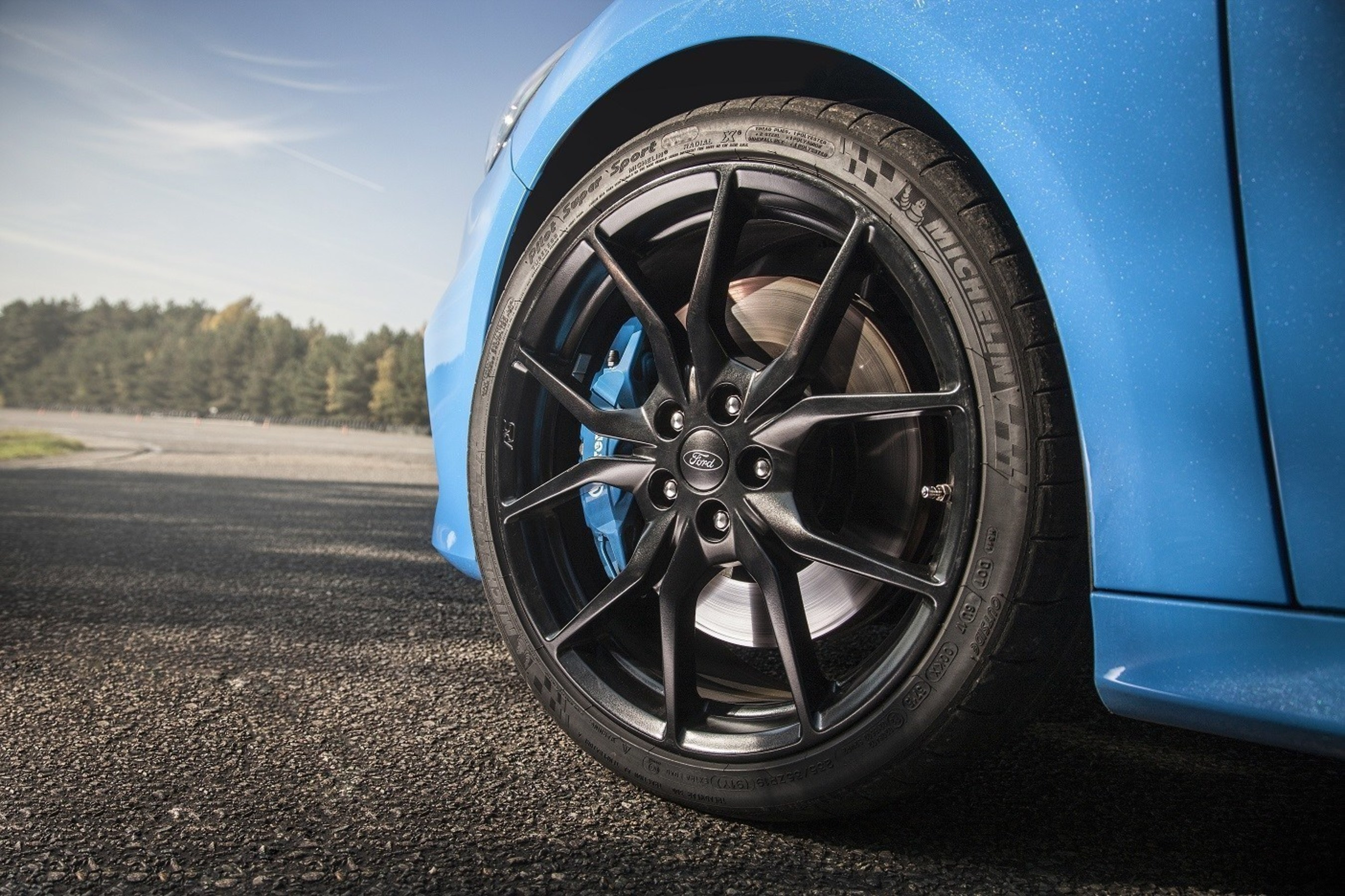Ford Focus Tires >> Ford Focus Rs Offers A Full Suite Of Michelin Performance