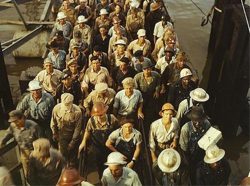 Shipyard workers.  (PRNewsFoto/Mesothelioma Victims Center)