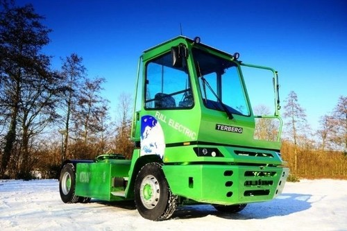 The first European prototype of a 100% electric terminal tractor, developed by Terberg (PRNewsFoto/Fundacion Valenciaport) (PRNewsFoto/Fundacion Valenciaport)
