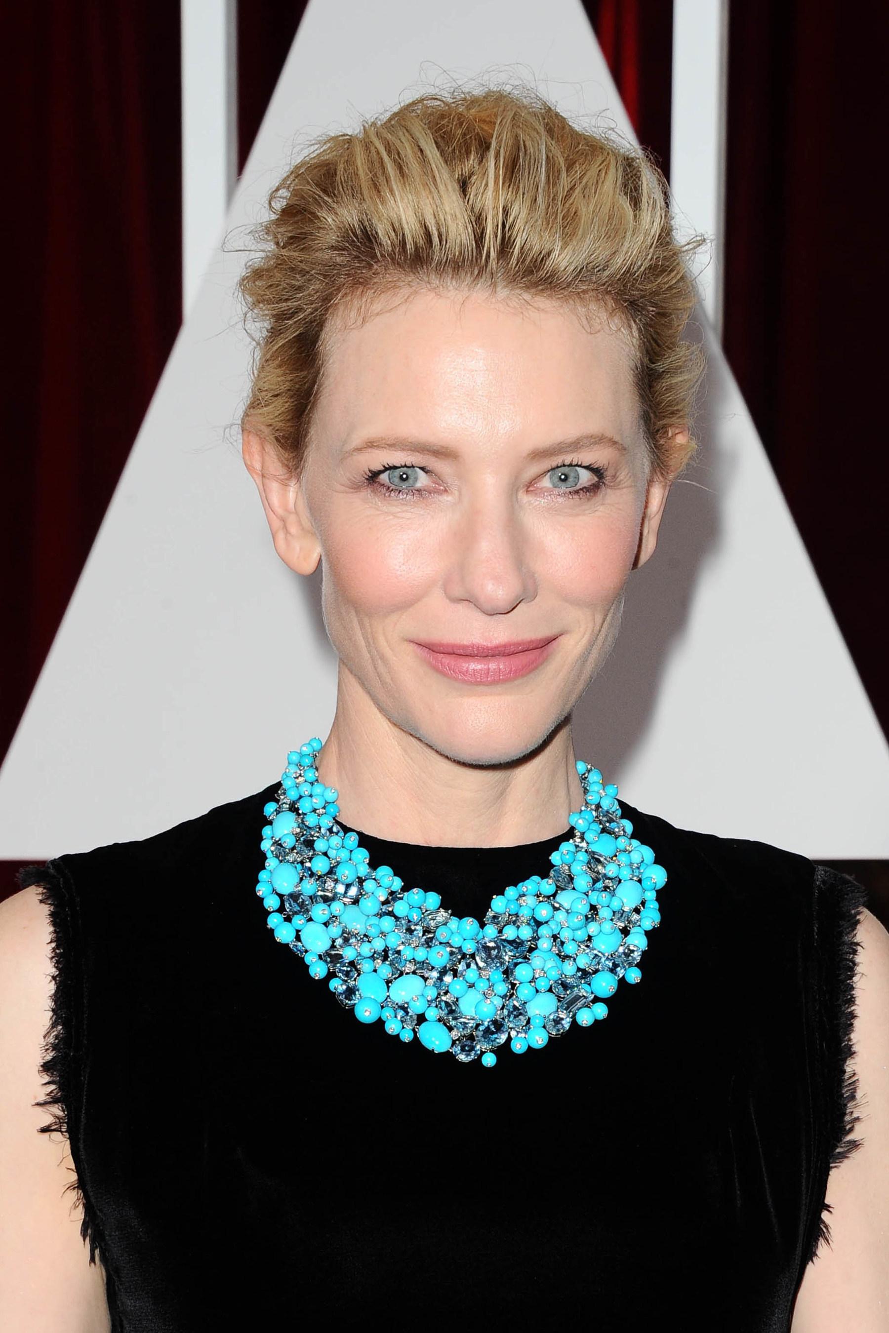 Cate Blanchett Wears Platinum Jewelry to the Oscars #BePlatinum