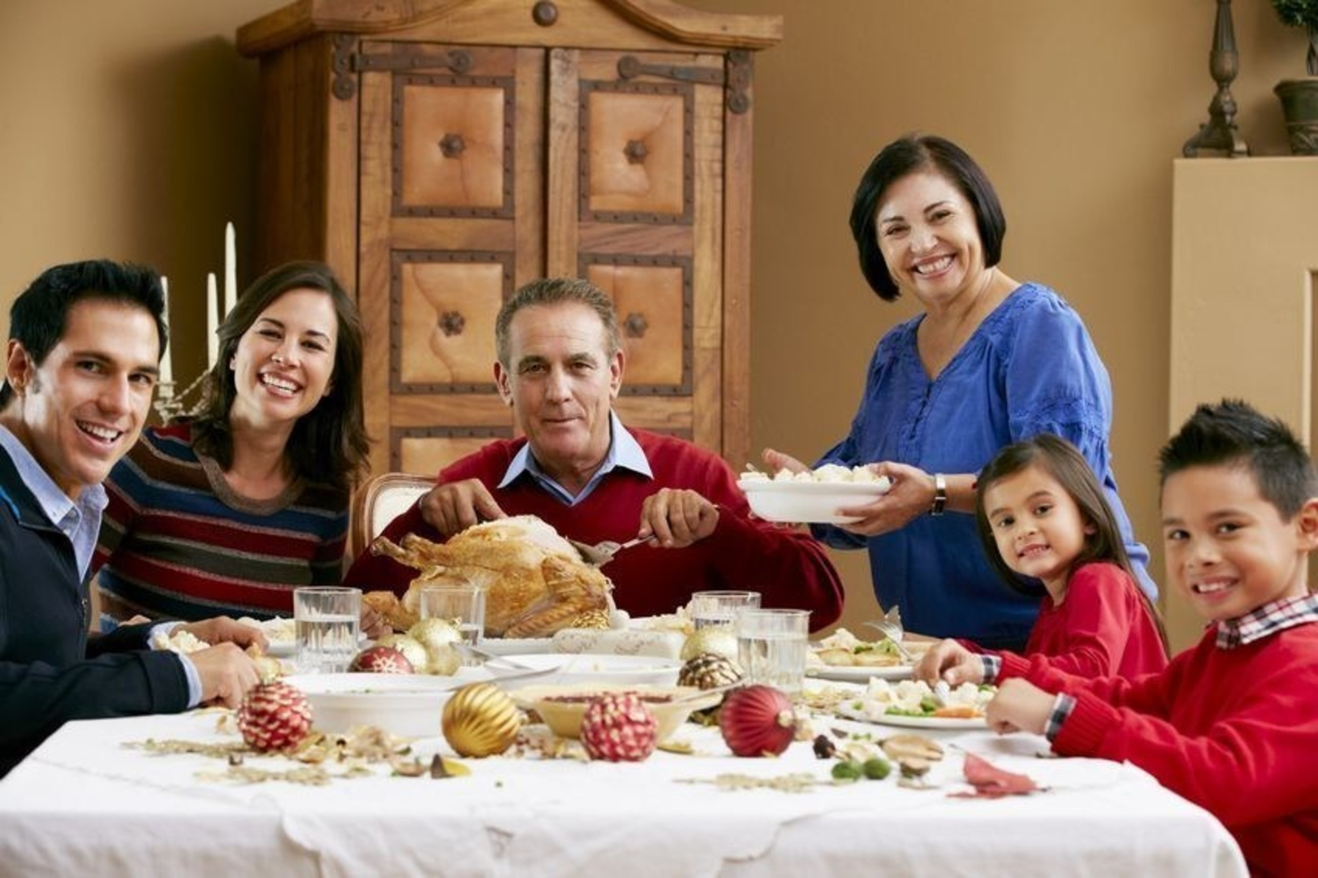 New Jersey family eats a healthy family Holiday meal.