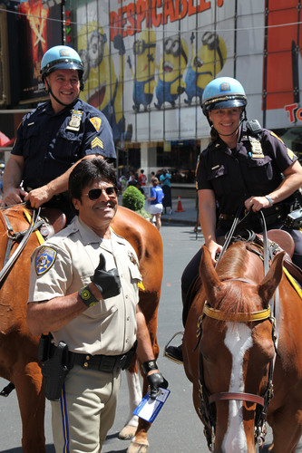 Erik Estrada Joins Forces With Transitions Optical to Raise Awareness for Eye Health in New York