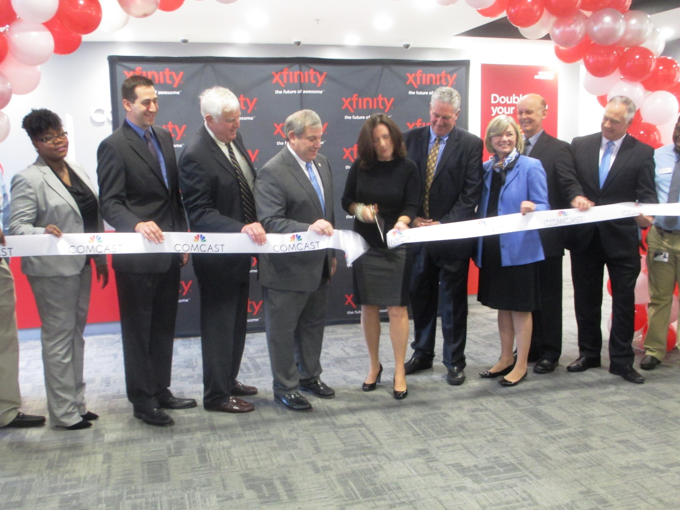 West Hartford and other local officials join Comcast for unveiling of new Xfinity customer service center in ...