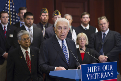 Sen. Frank Lautenberg (NJ) touts the VOW to Hire Heroes Act just before the favorable Senate vote on Nov. 11.  He is flanked by Senators Daniel Akaka (HI), Patty Murray (WA) and Jon Tester (MT) with the Legion's Tim Tetz and Shaun Reiley in the background.  (PRNewsFoto/The American Legion, Craig Roberts)