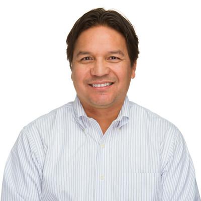 Эзра Hookano, вице-президент, каналы, Barracuda.