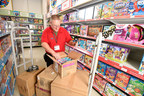 """Toys""""R""""Us plans to hire 40,000 seasonal employees at its stores and distribution centers nationwide as the company ramps up for the 2015 holiday shopping season."""