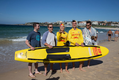 LA Dodgers with surf lifesavers on Bondi Beach (Drew Butera, Tim Federowicz, Mike Baxter, Chris Withrow)