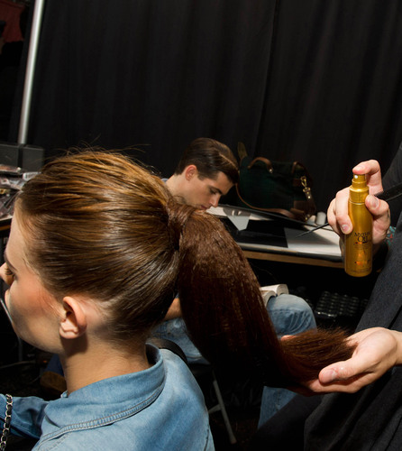 New L'Oreal Professionnel Mythic Oil creates sleek, clean parts with endless shine for fashion