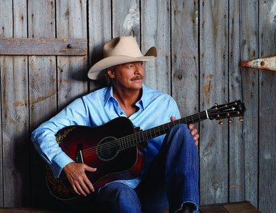 Kubota announces sponsorship of Alan Jackson's 2015 25th Anniversary Tour from its 2014 Dealer Meeting in Nashville.