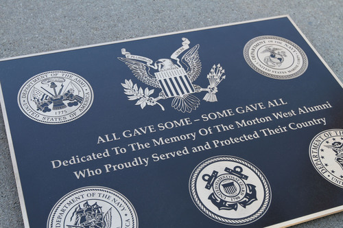 Bronze Veterans Memorial Plaque. (PRNewsFoto/Impact Architectural Signs) (PRNewsFoto/IMPACT ARCHITECTURAL SIGNS)