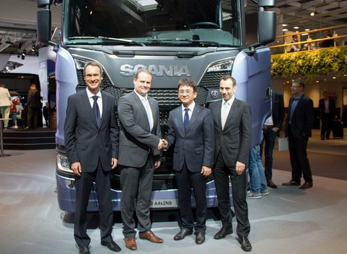 From left to right: Hankook OE Account Manager Europe, Stephan Bruckner; Scania Executive Vice President Purchasing, Anders Williamsson, Hankook OE Account Director Europe, Ryu Jae Seock; Hankook Vice President European Technical Center, Klaus Krause (PRNewsFoto/Hankook Tire Europe GmbH)