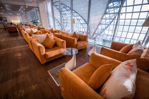 Louis' Tavern CIP First Class Lounge at Bangkok Suvarnabhumi International Airport (PRNewsFoto/Priority Pass)