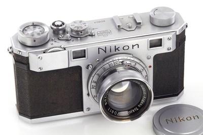 Nikon One (C) WestLicht Photographica Auction. (PRNewsFoto/WestLicht Photographica Auction)