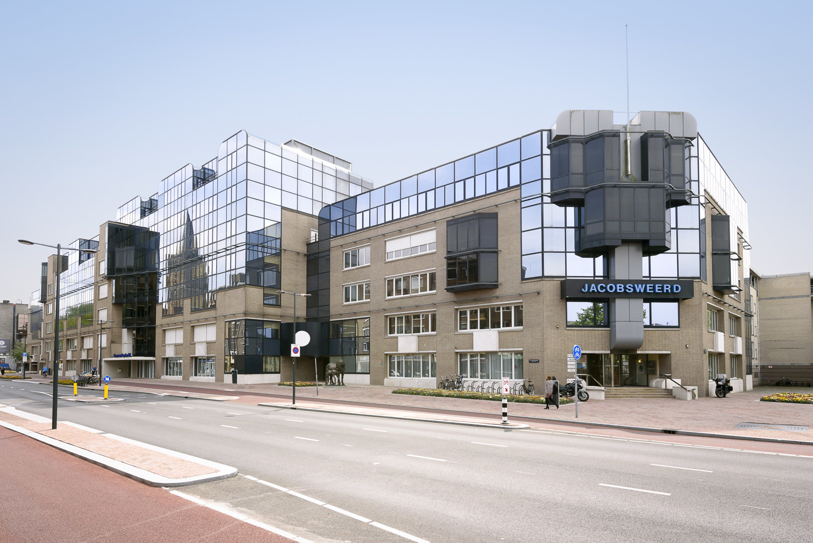 CPA:18 - Global acquires Jacobsweerd office building in Utrecht, Netherlands, from Dutch asset and investment ...