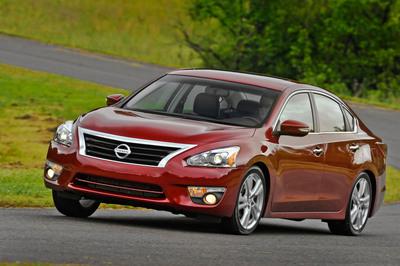 2013 Nissan Altima Earns 5-Star NCAP Rating.  (PRNewsFoto/Nissan North America)