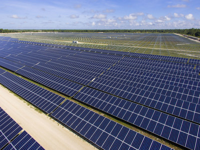 Halfway to one million solar panels at FPL's three new universal-scale solar plants! Construction continues here at the FPL Babcock Ranch Solar Energy Center in Charlotte County, Fla.