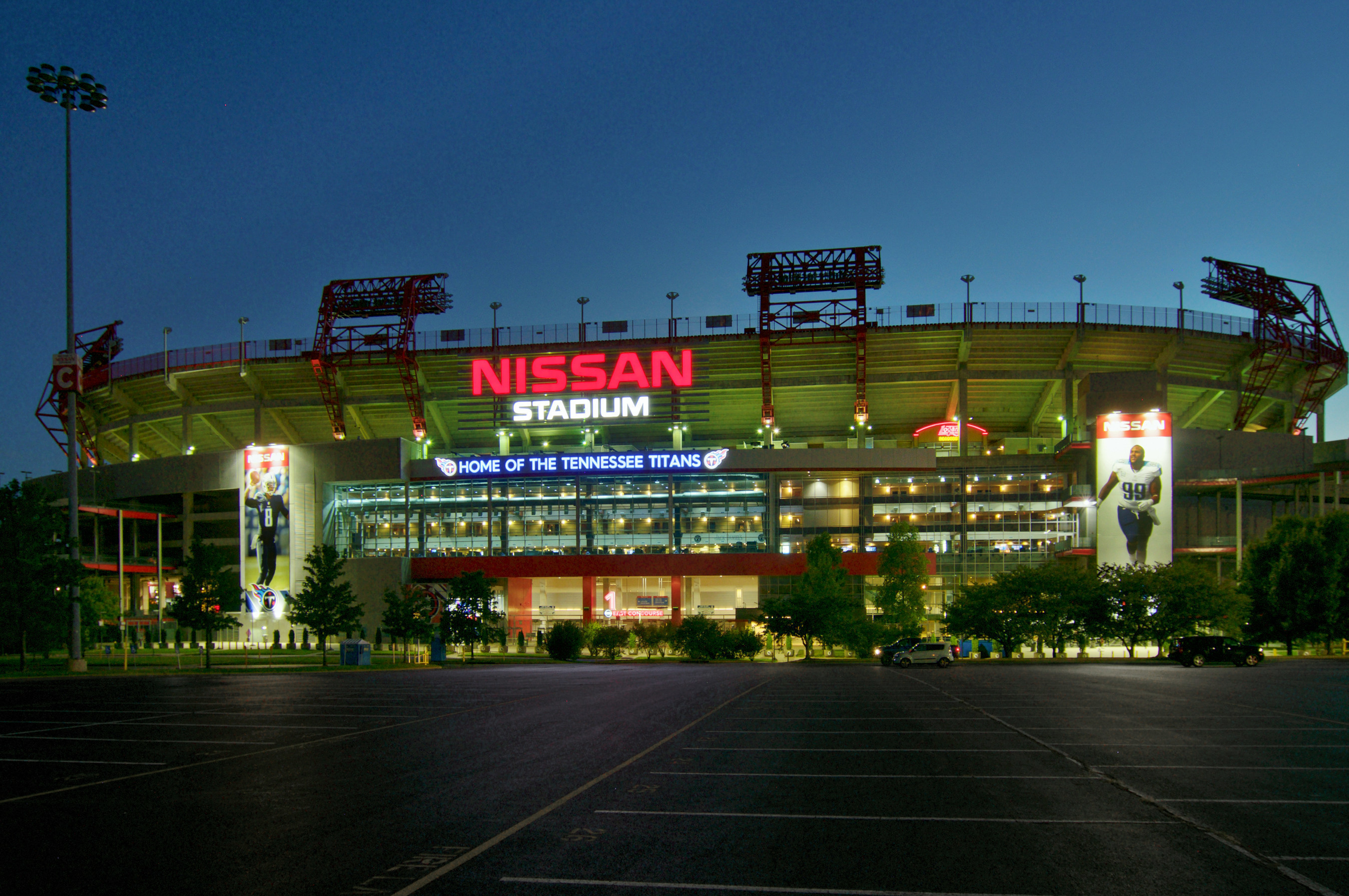 Nissan Stadium, home of the NFL's Tennessee Titans(R), which has installed LG's new highly efficient LED retrofit fixtures as part of the stadium's plans to convert its existing lighting to LED solutions using LG's Sensor Connect High Bays.